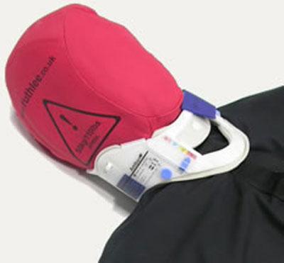 Форма головы позволяет устанавливать большинство видов шин для иммобилизации шеи, что позволяет включать это действие в сценарий тренировки проведения спасательных работ.
